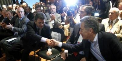 Los presidenciables de la oposición oyeron reclamos de empresarios