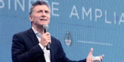 Macri distingue a docentes en Tecnópolis y luego recibe a Aranguren en Olivos