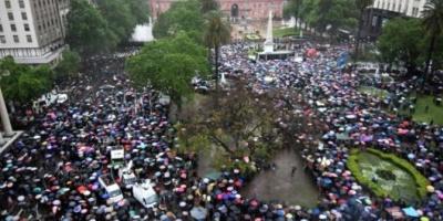 Mi&eacute;rcoles negro: miles de personas marcharon en todo el pa&iacute;s contra los femicidios<br />