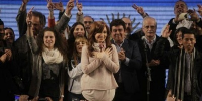 Cristina Kirchner: &quot;Pretenden manipular el resultado electoral&quot;  <div> </div>
