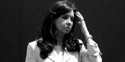 El juez Claudio Bonadio dictó el procesamiento con prisión preventiva de Cristina Kirchner