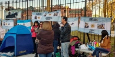 Familiar del ARA San Juan pidió la renuncia de Aguad: Es incompetente