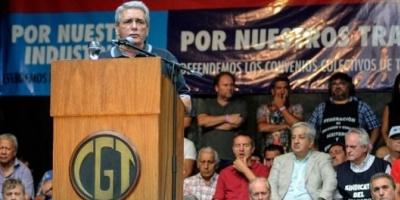 Carlos Acuña: El candidato de la CGT es Massa