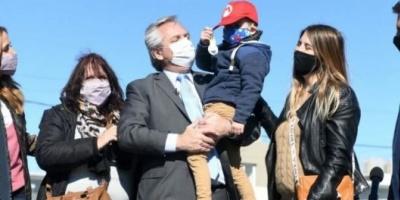 Alberto Fernández arrancó la campaña en provincia de Buenos Aires con Victoria Tolosa Paz y Daniel Gollan